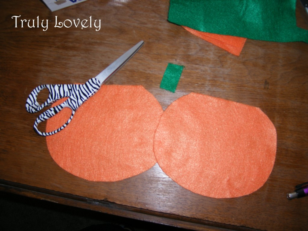 how to make a felt jack o lantern