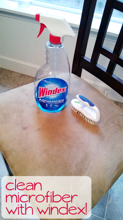 Clean-Microfiber-with-Windex