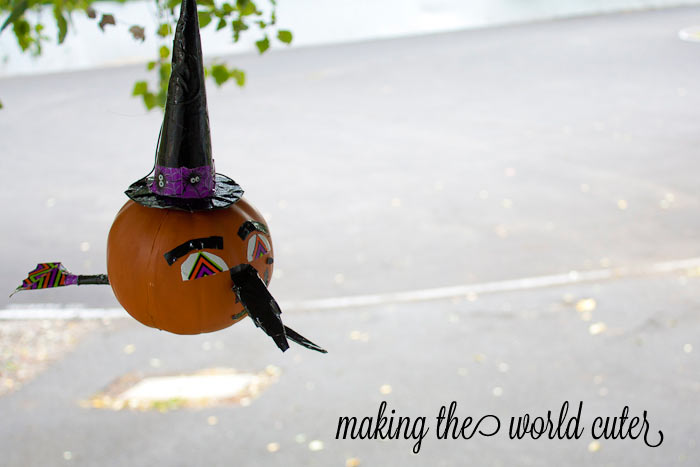 Witch Pumpkin using Duck Tape on Making the World Cuter #stickOrTreat
