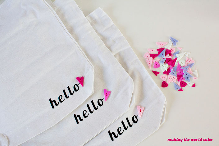 """DIY canvas tote bags on Making the World Cuter """"hello <3"""""""