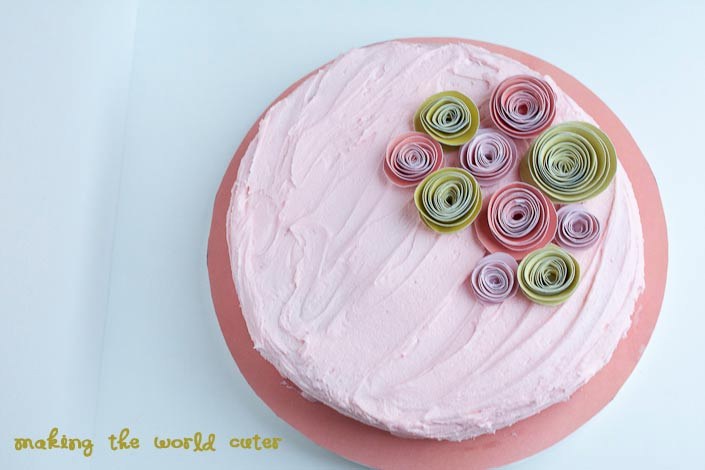 Cake Decoration With Paper : Paper Flowers Cake Decoration