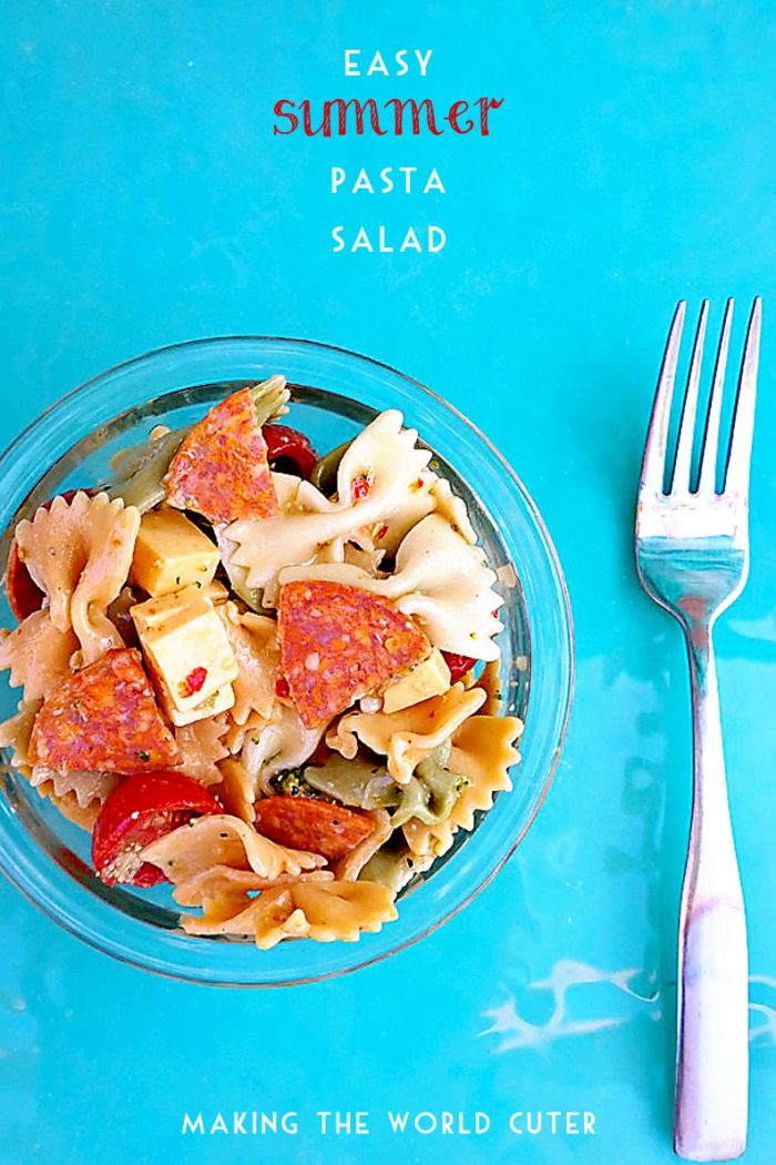 Easy Summer Pasta Salad. This is one of my favorite things to eat when it's hot out! makingtheworldcuter.com