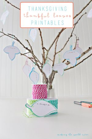 Free printables for a cute and bright thankful tree for Thanksgiving! Love the white! What a great centerpiece!