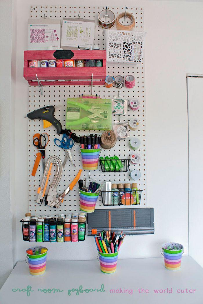 http://makingtheworldcuter.com/wp-content/uploads/2015/02/Organized-Craft-Room-700x1050.jpg