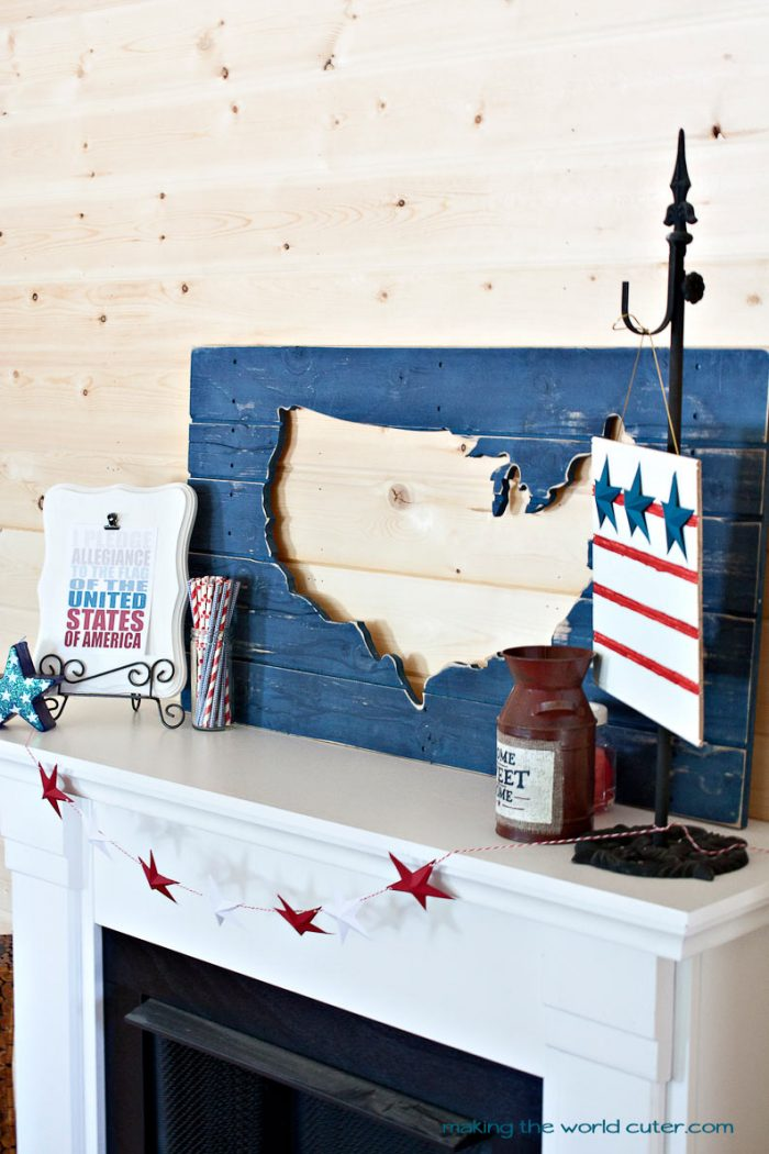 4th of July Decorations. Great DIY projects, a cute summer mantel and more! #makingtheworldcuter DIY 3d Paper Stars