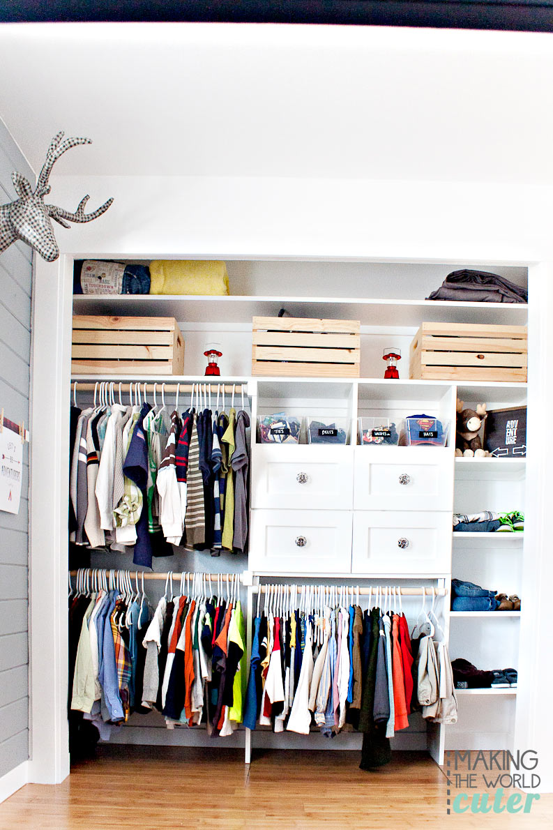 Boys-Shared-Closet-In-Camping-Room