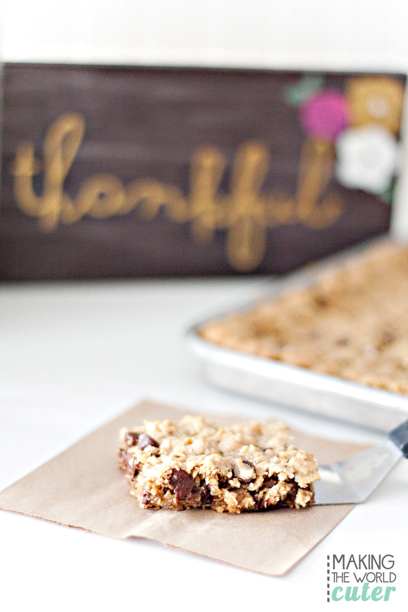 http://makingtheworldcuter.com/wp-content/uploads/2015/10/Delicious-cookie-bar-recipe.jpg