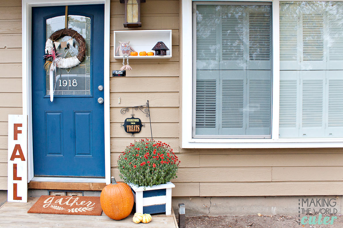 Fall Porch Decor for a small porch, and how to make that fabulous FALL sign!