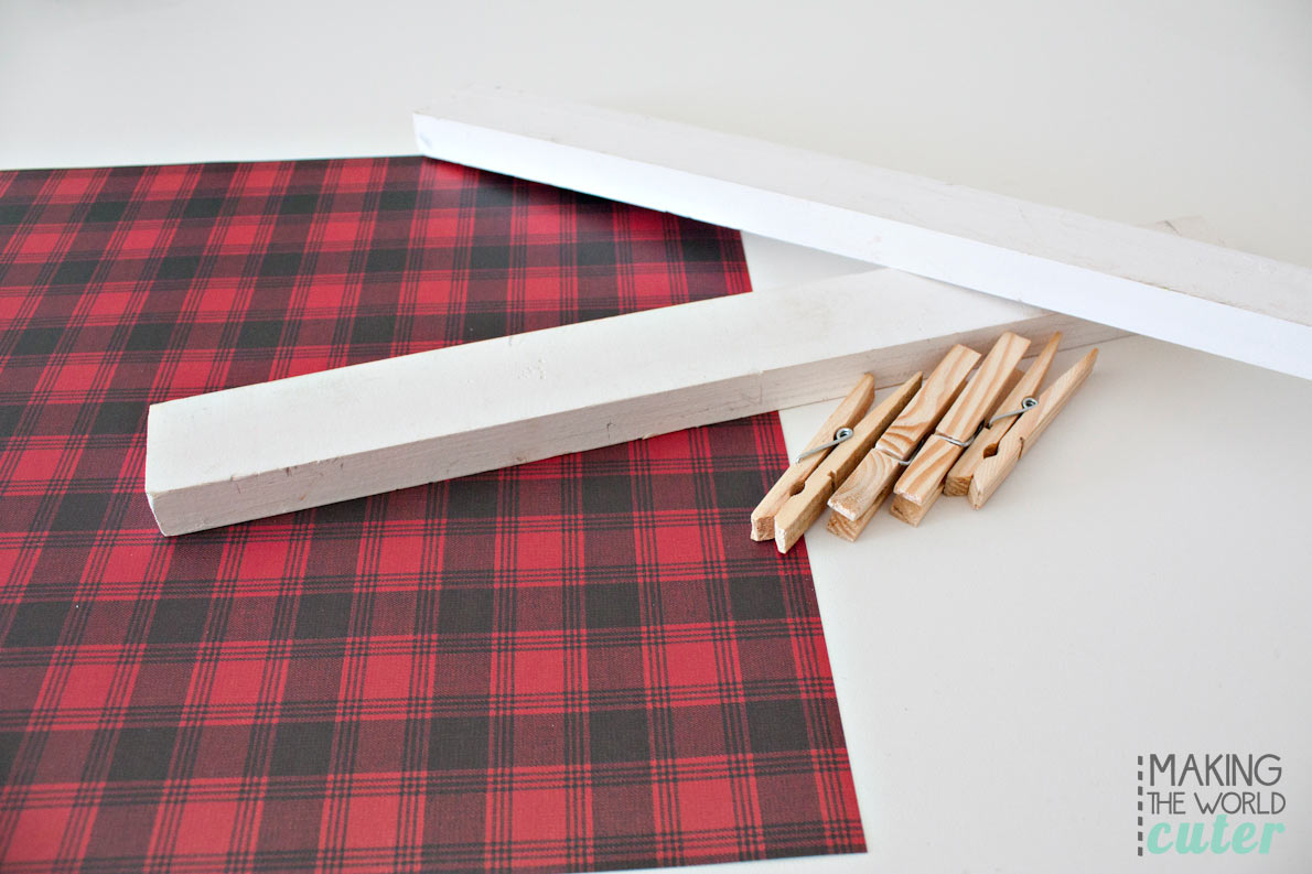 Super simple and SUPER cute plaid (or any design you want) picture hanger, to hang and display the free printables you collect! These are used in the cutest boys lodge bunk room!