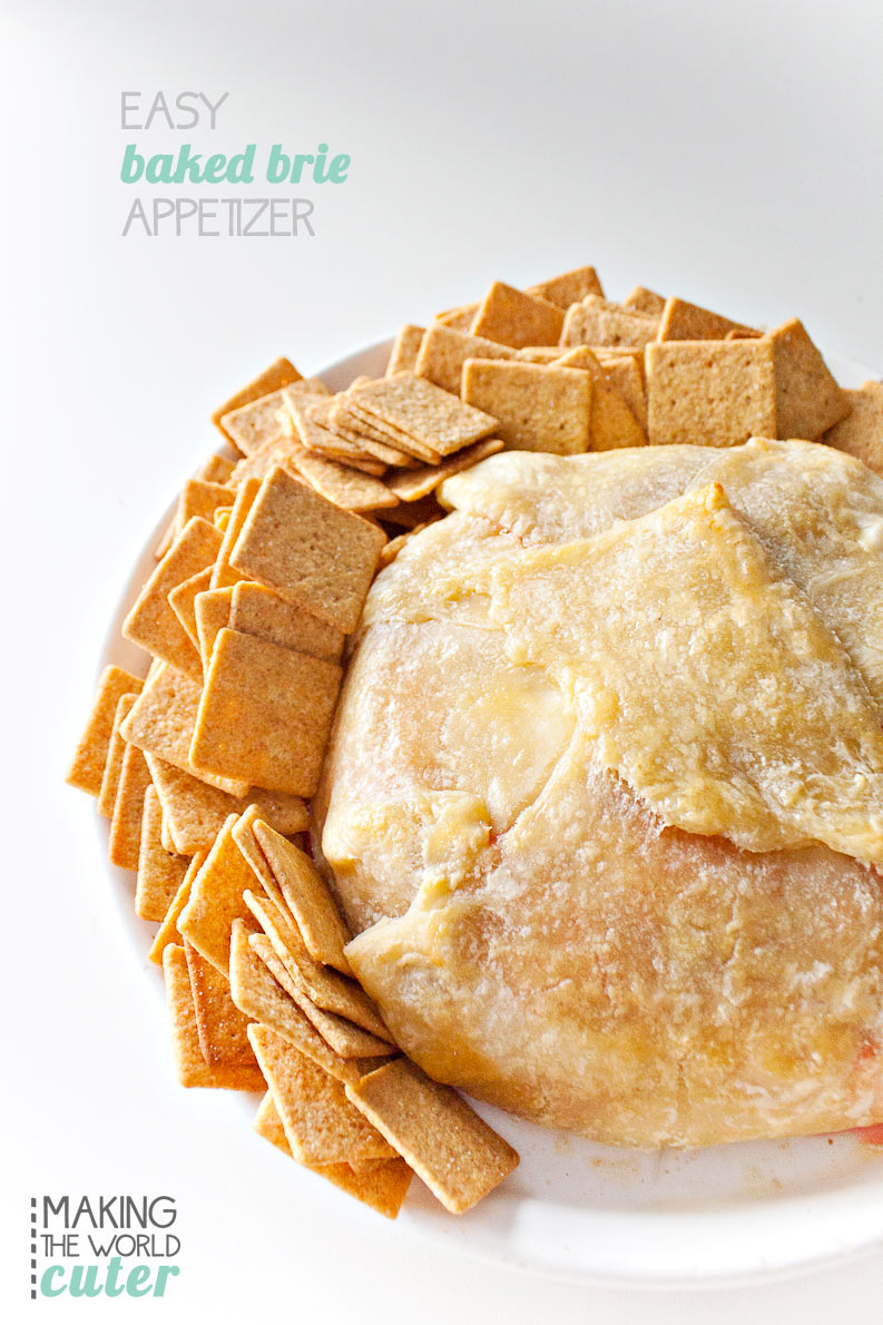 Easy Baked Brie Appetizer, perfect for New Years and Football parties!