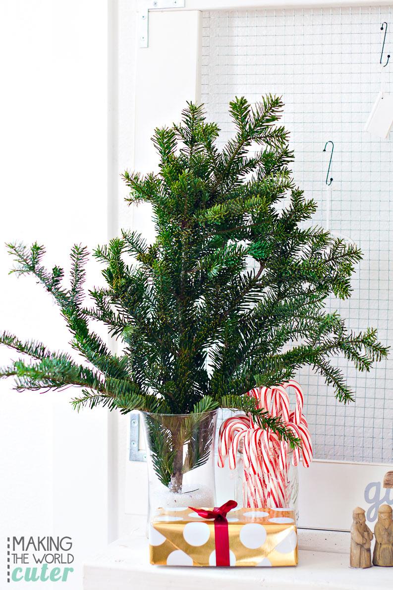 http://makingtheworldcuter.com/wp-content/uploads/2015/12/Free-Christmas-Decor.jpg
