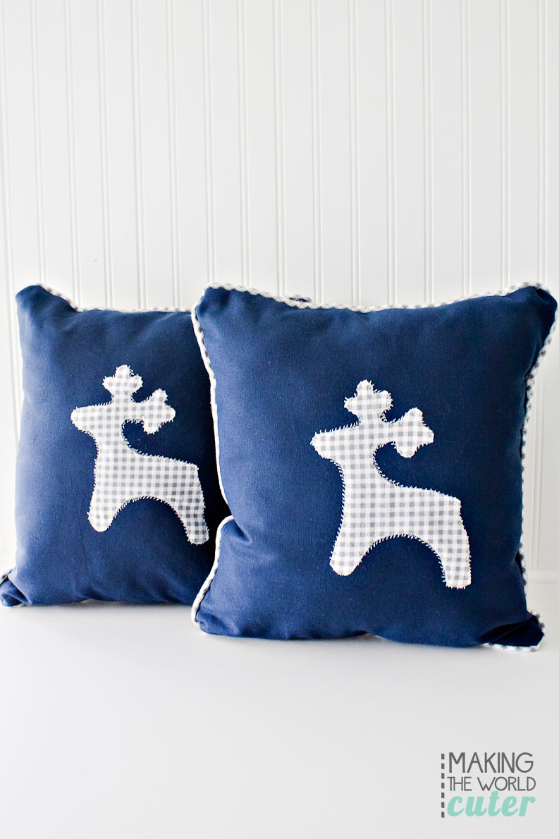 DIY Applique pillow and how to make your own Piping for throw pillows. Easy sewing tutorial for room decor. These are in seriously one of the cutest bunk rooms I have ever seen.