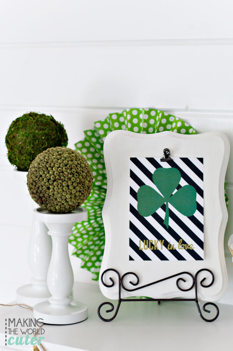 Lucky-in-Love-St-Patrick's-Mantel-Decor