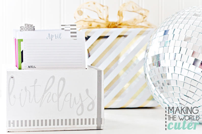 DIY Birthday Reminder Box with free printable calendars and favorite things cards so you can keep track of gift ideas for your friends and family! What a great gift idea and would look so cute on my desk too!