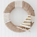 Natural Rope Nautical Wreath Decor. Perfect for beach chic style or just a fun fresh spring wreath. Love the little sailboat with the gold stripes.