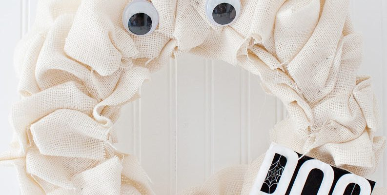 Burlap Ghost Halloween Wreath