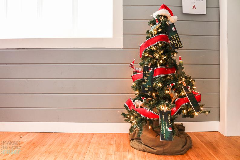 dinosaur-christmas-tree-17