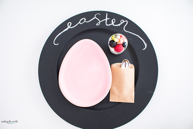 Easter Table Decorations perfect for dinner or a fun Easter Bunny Brunch