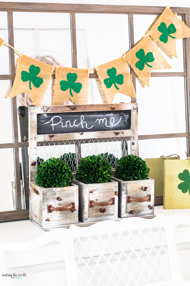 St Patricks Day Mantel Ideas for Holiday Decor