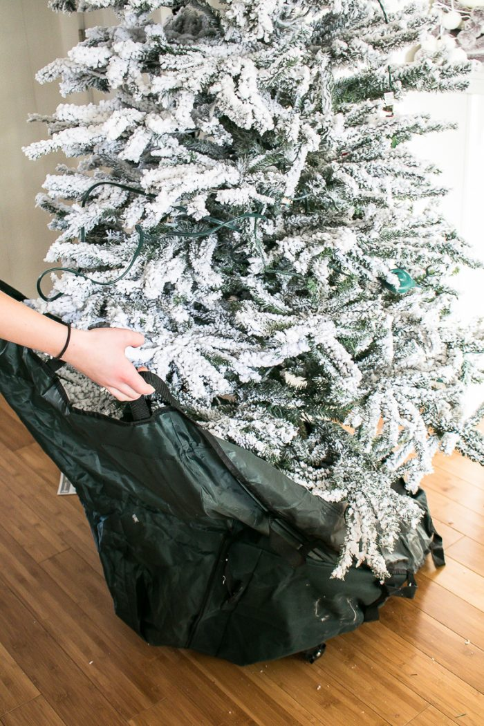 Bagging up Storage bag for Christmas Tree, How to transition from Christmas to Winter