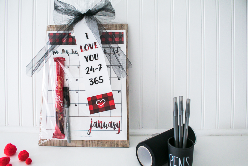Love you 365 Gift Idea with free printable calendar and tag