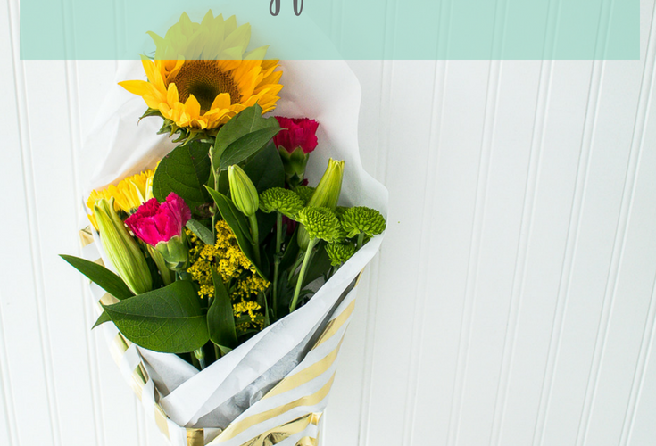 How to Wrap Flowers Like a Professional to Gift to Friends and Family