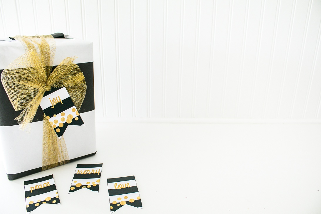 Christmas Black white and gold gift tags printable
